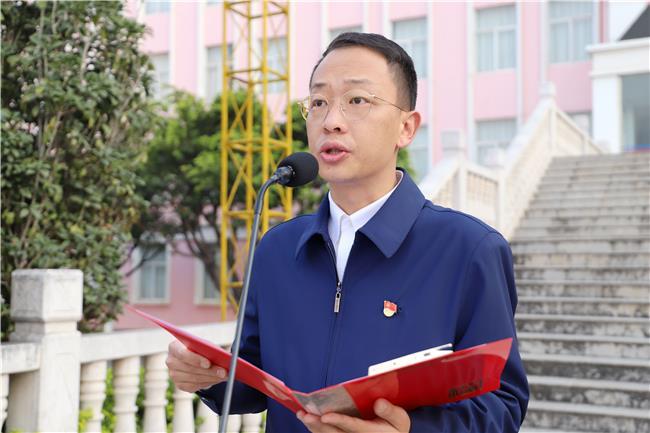 6学院团委书记张健宣读《倡议书》.jpg