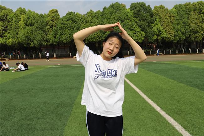 杨莹1.JPG